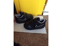 Nike trainers for toddler size 7.5