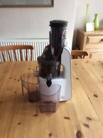JR Ultra 8000S Whole Slow Juicer