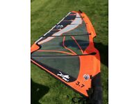 EZZY WAVE PANTHER 2 3.7 and EZZY WAVE SE 2.9 windsurf sails