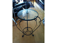 SMALL CAST IRON BLACK PATTERNED BED SIDE LAMP TABLE GLASS TOP