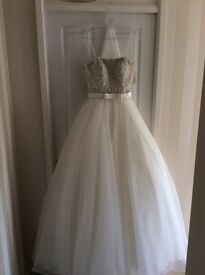 Stunning Ronald Joyce Wedding Dress