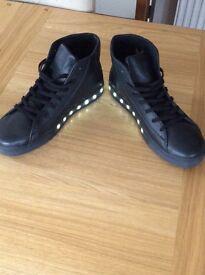 Men's / Ladies light up trainers - pop shoes