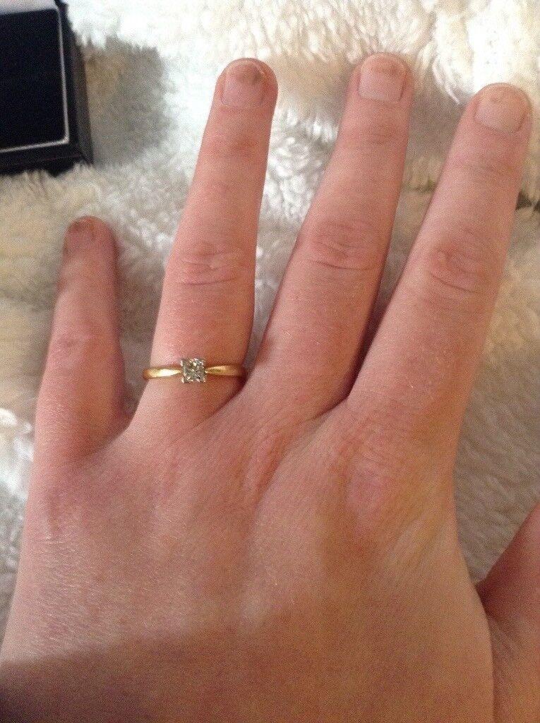18ct gold diamond engagement ring
