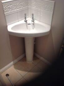 Toilet Unit/Washand Basin