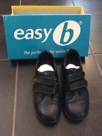 DB Easy B Women's shoes. NEW