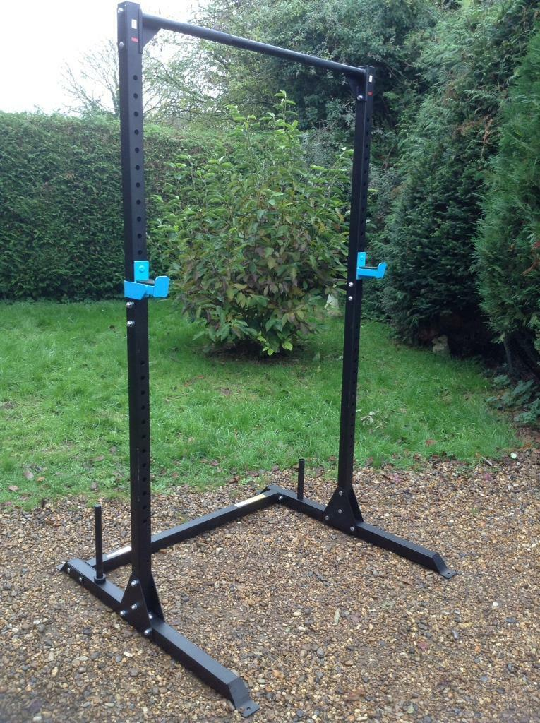 Squat Rack with Pull Up Bar (Delivery Available)