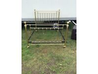 Lovely antique brass bed 4,6 totally original