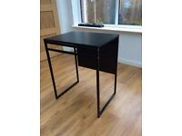 Black extendable table