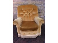 Fantabulous Buttonback armchair in super condition/bedroom/reception/lounge