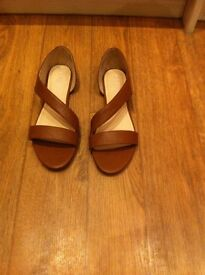 Brown shoes/sandals
