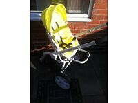 A QUINNY PUSHCHAIR WITH ACCESSORIES-OVER £900 WORTH