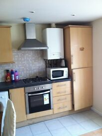 2 Bedroom Flat Based OFF City Road, IN ROATH Close to City Centre and University