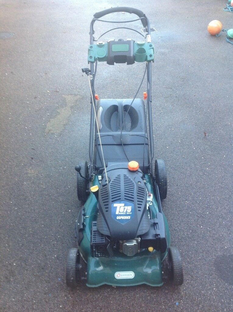Q Garden Petrol lawmower for sale only 3 years old, self propelled drive requires repair