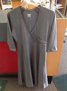 Ladies Columbia Stretchy wrap-front Dress, size medium, Grey (sku: FQQ35T)