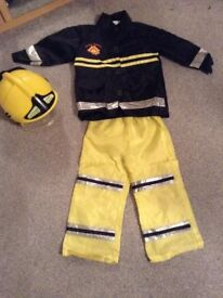 Fireman outfit with helmet included. Kids dress up