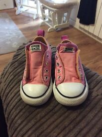 Girls all*star converse size 7