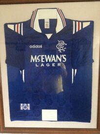Framed signed rangers top signed by the 9in a row winning team