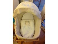 Baby moses basket and stand Mamas&Papas
