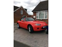MAZDA MX5 1.8 CONVERTIBLE SPORTS CAR IN RED