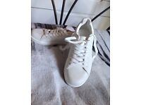 White trainers (new look)