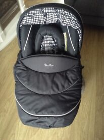 Silver Cross Baby Car Seat /Carrier