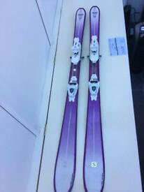 "Ladies Salomon ski 155cm (about 5ft 4"" woman)"