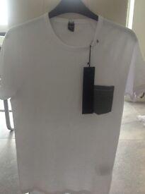 Replay white mens T Shirt. Size Medium