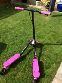 Girls Flicker scooter for sale perfect for xmas