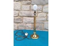Candlestick type table lamp