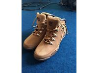 New Timbaland Men Shoes Boots. Size 9. ONO