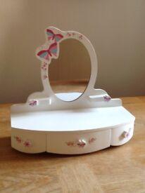 Children's mirror/vanity unit