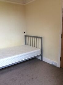 Exeter. Large room in friendly, shared house