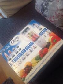 Nearly new mixer/blender/chopper / grinder all boxed £10