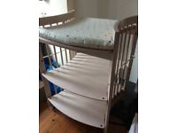 Reduced Stokke changing table in great condition