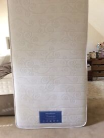 Brand New Dream Weaver Cambridge mattress. Paid £135 for it2 weeks ago. Still in original packing.