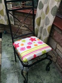 Glass dining table and 6 chairs -bargain