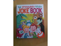 The Extremely Silly Joke Book by Sally Lindley, Mr Joe Fullman