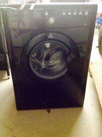 *PARTS/SCRAP METAL/REPAIR*Black Indesit Washing Machine