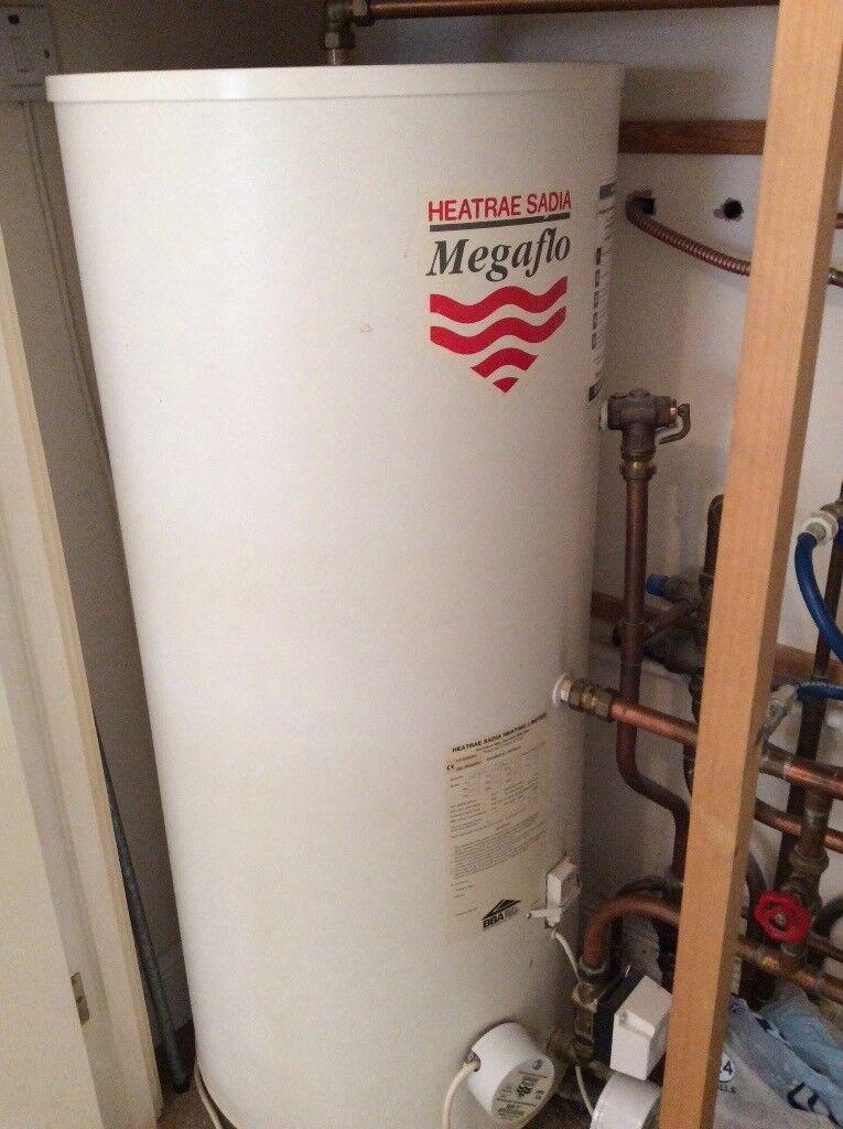 Worcester Greenstar System Condensing boiler and Pressurised Heatrae ...