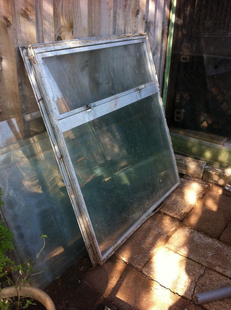 Aluminium framed window