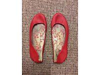 Well worn ladies women's shoes flats pumps heels 4