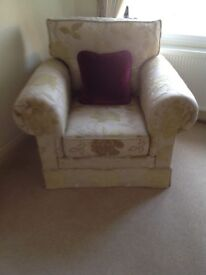 Delcor 3 seater settee and chair
