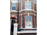 6 BED STUDENT HOUSE WITH NEAR LEWES ROAD AREA, Queens Park Road (Ref: 149)