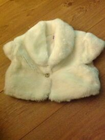 GIRLS CREAM FUR SHRUG - SIZE 6/7 Years