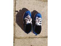 Boy's Heelys Shoes, size 4