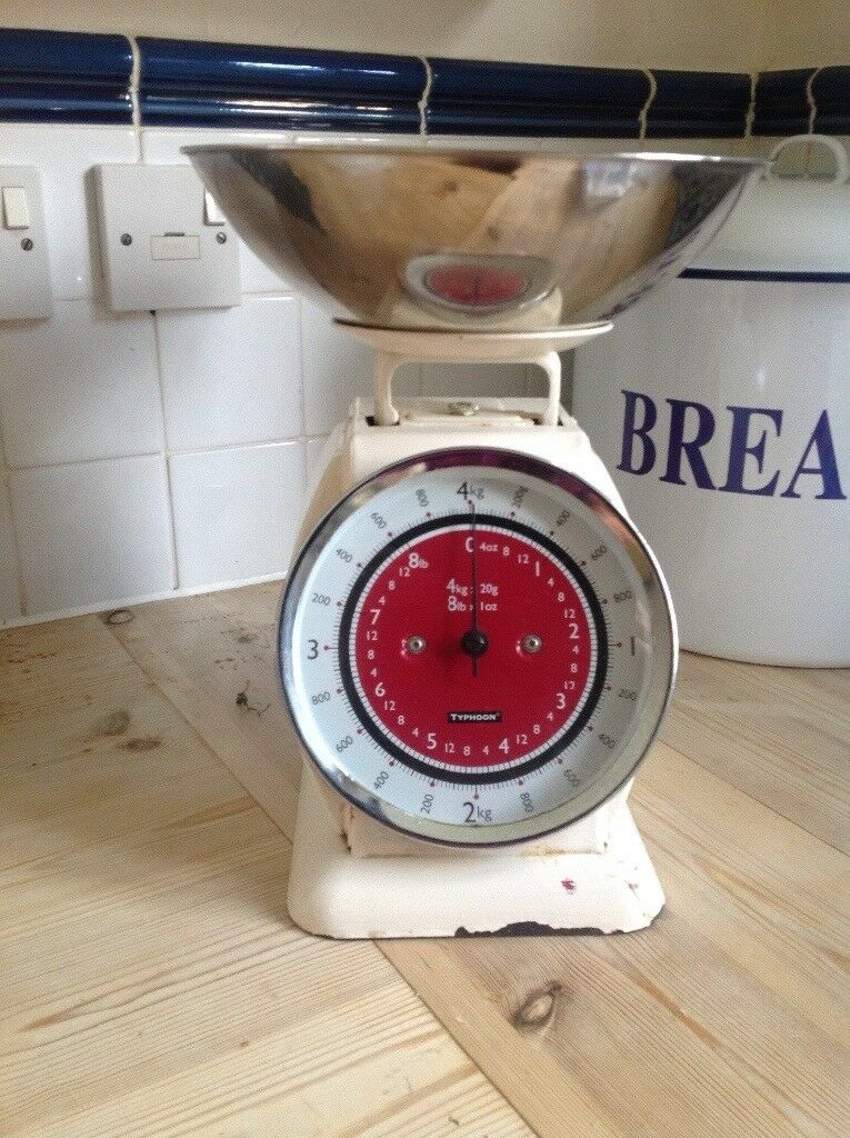 Fab Retro Set Kitchen Scales In Hedge End Hampshire