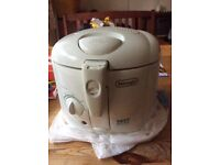Small size deep fat fryer free to collect