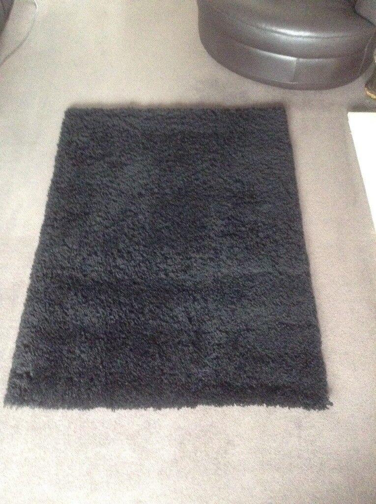 Black rug carpet deep shag pile 120 x 160