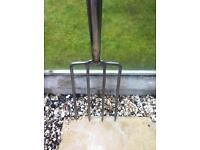Quality Stanley digging fork as new condition and large Stanley spade in vgc