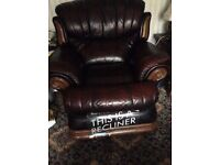 Christie Tyler Leather & Oak 3 piece Suite. 3 str Sofa, Chair and reclining Chair VGC